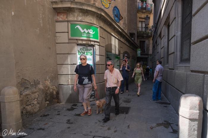 Gente saliendo de la plaça Sant Felip Neri me hacía presagiar que no estaría vacía...grrr!